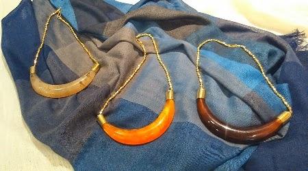 Collares cortos cuerno de colores y cadena