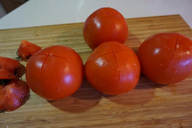 Como pelar tomates en 2 minutos. Truco rápido y fácil.