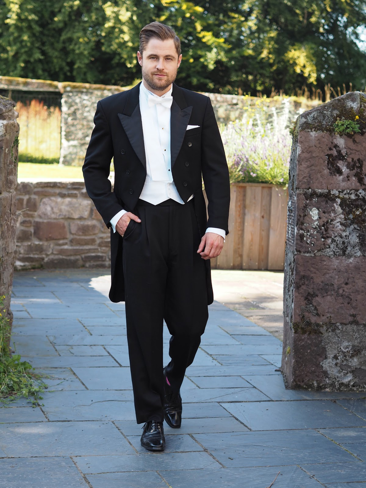 White Tie - TWENTY FIRST CENTURY GENT