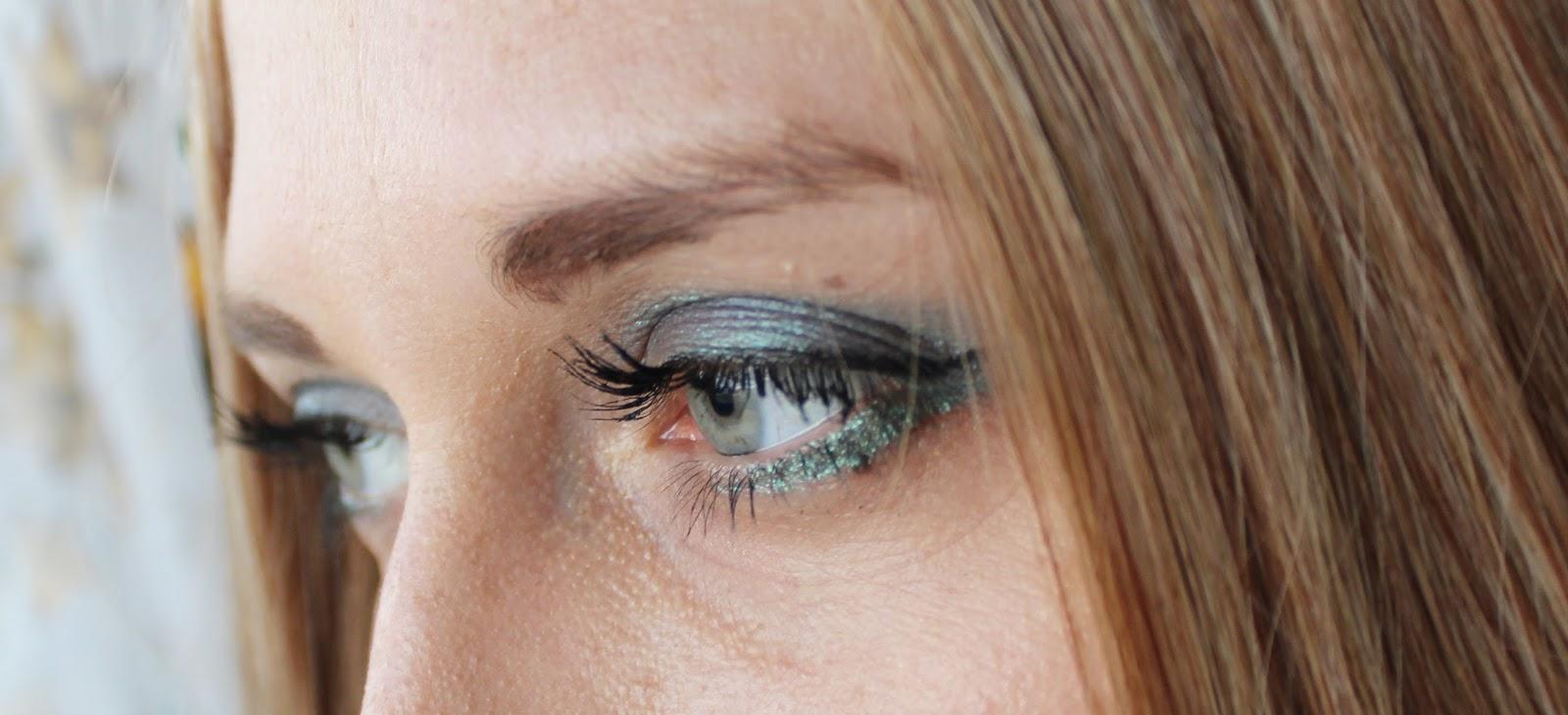 Kolorowy, mineralny makijaż z Lily Lolo od Costasy