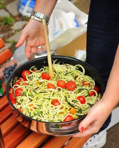 Zucchini Spiral 'Noodle' Salad ♥ KitchenParade.com. Fresh & Seasonal. Gluten Free. Paleo. Vegan. WW Friendly.