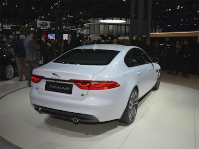2016 Jaguar XF Rear view
