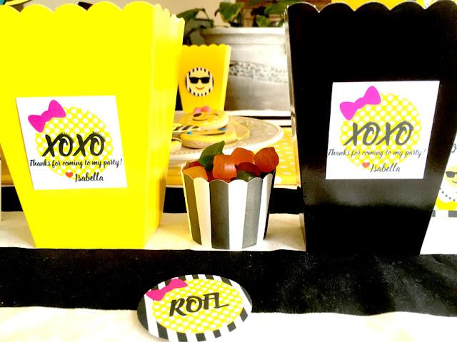 Emoji Themed Birthday Party Favor Boxes via Pretty My Party