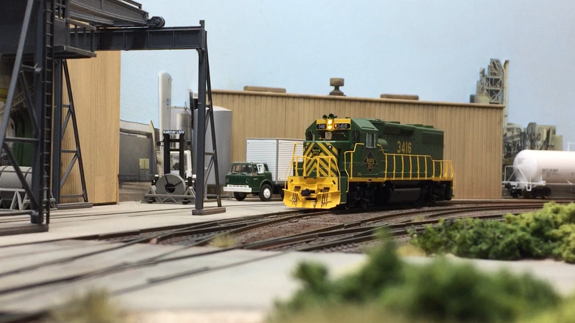 RDG GP39-2 #3416 Working Dana Corporation...