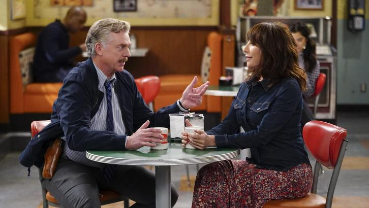 Superior Donuts - Episode 2.15 - The Chicago Way - Press Release