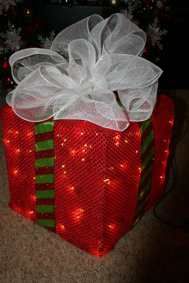How to Make a Lighted Christmas Box Decoration  DIY Christmas