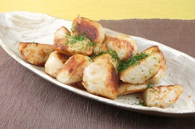 香ばしくておいしい!食材は里芋だけのバター醤油炒めの作り方