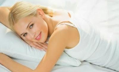 Cara Efektif Atasi Wajah Bengep Setelah Bangun Tidur