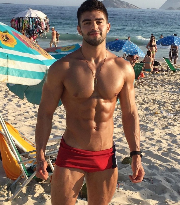 hot-beach-body-man