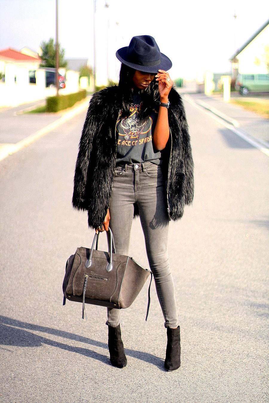 ootd-manteau-fausse-fourrure-t-shirt-imprimé-celine-phantom-jeans-taille-haute