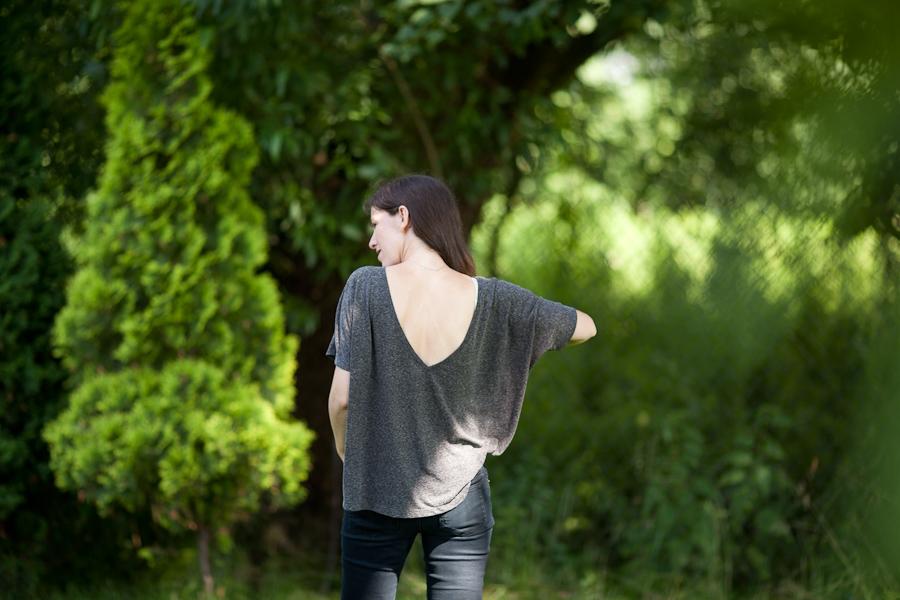 dekolt na plecach