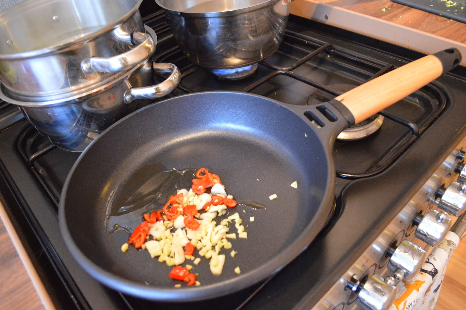 Ginger, Chilli and Garlic, stirfry, gingey bites, Diana Henry, A Change of Appetite, cookbook review, food blogger, gingey bites