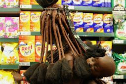 Melihat Kala Suku Primitif Masuk ke Dalam Supermarket