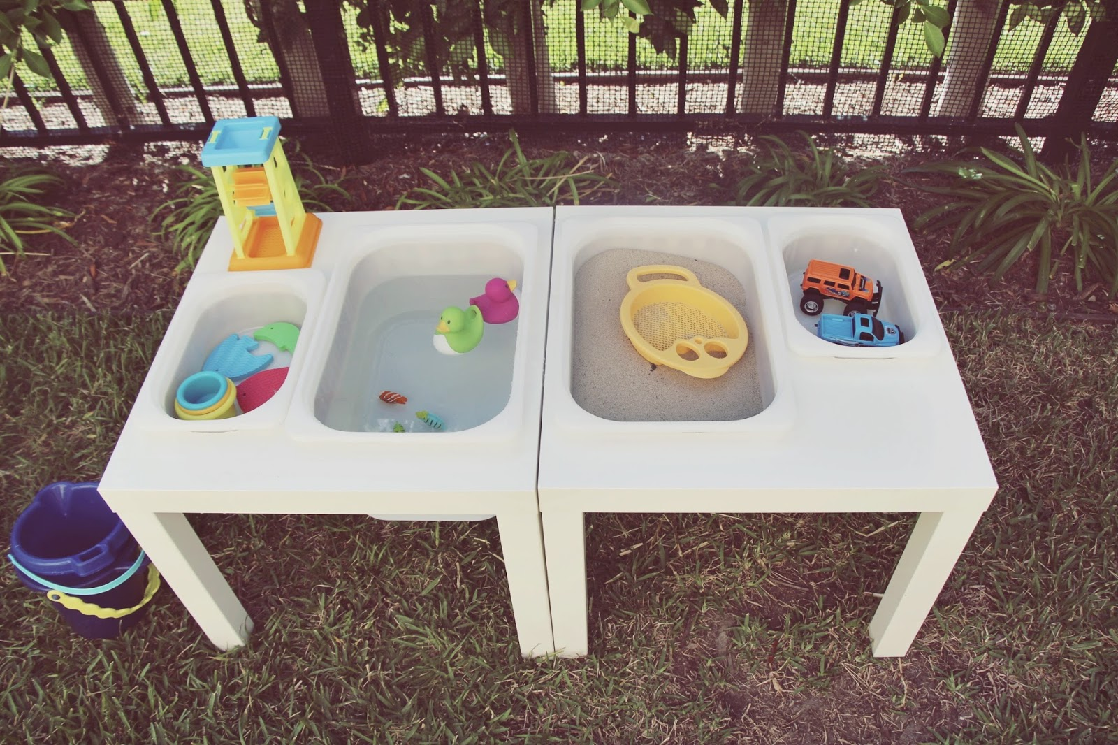 my love and beyond mommy baby fashion blog diy sensory table. Black Bedroom Furniture Sets. Home Design Ideas