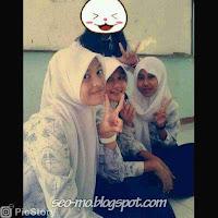 Foto Hayati Sumedang DA3 dengan teman-temannya disekolah
