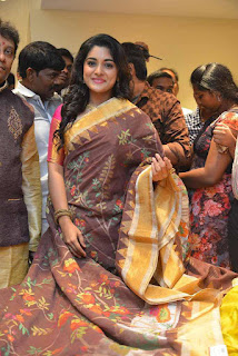 Niveda Thomas Stills From  Kalamandir 25 Store Launch (3).jpg