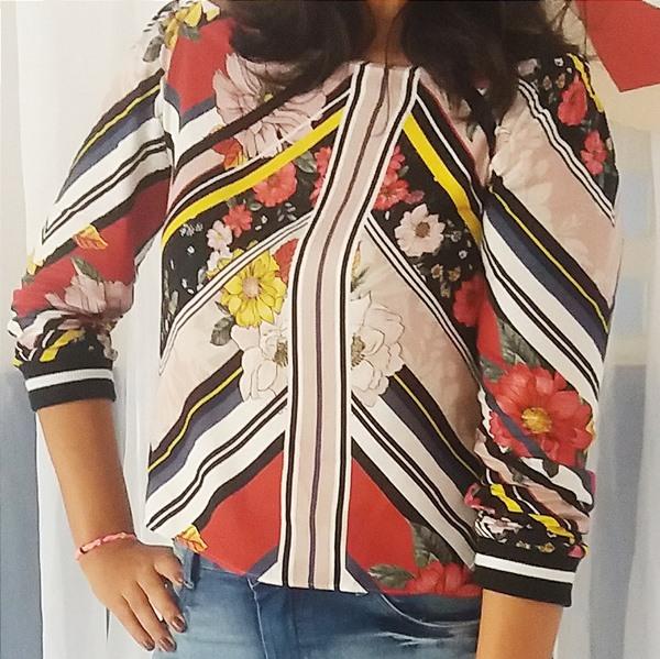 Look do dia: blusa em estampa floral e listrada