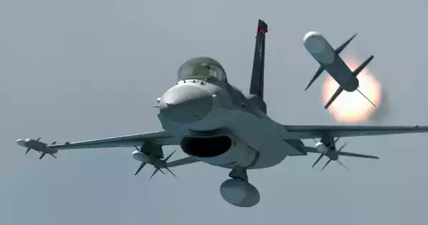 Μαχητικό F-16 καταρρίπτει drone: Μια σκηνή που έπρεπε ήδη να είχε συμβεί στο Αιγαίο (βίντεο)
