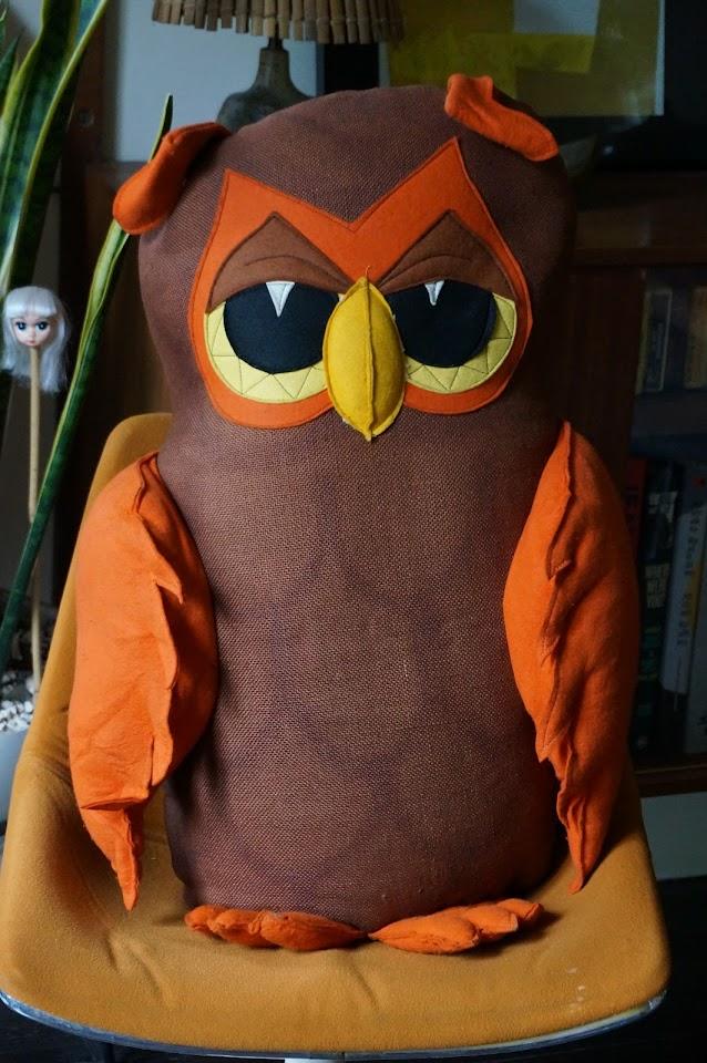 hibou géant de  Kapok Airspanded made in England owl plush vintage 70s 1970s années 70