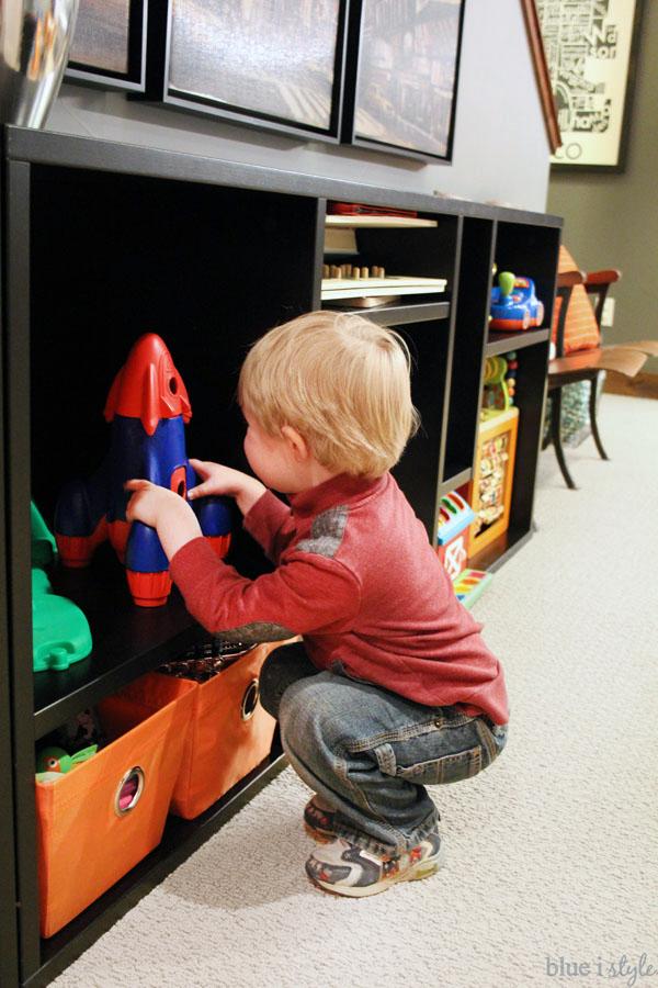 Bookshelf for large toy storage