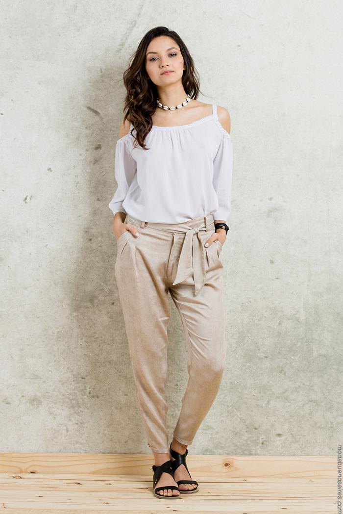 Compra Online lo último en pantalones de esta temporada. Descubre la mejor selección en tu tienda de moda online El Corte Inglés.
