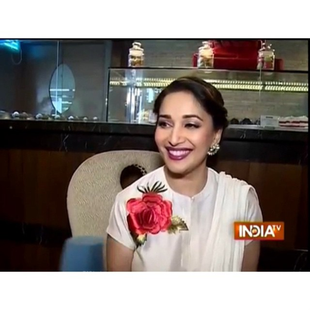 terrence lewis , shares a story about madhuri dixit , during a lack much of the jug nee , mumbai dance , festival. absolutely adorable and down to earth.  beautiful , madhuri , bollywood , actress , dance ,r madhuri dixit ,nene md , p1, Hot Pics of Madhuri Dixit At  Launch OF Contemporary Dance Festival 'Jugnee'
