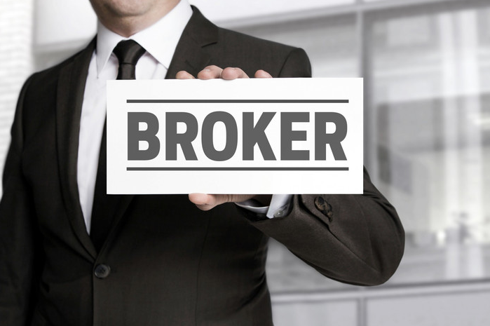 Cara Sukses Menjadi Broker Properti di Saat Krisis