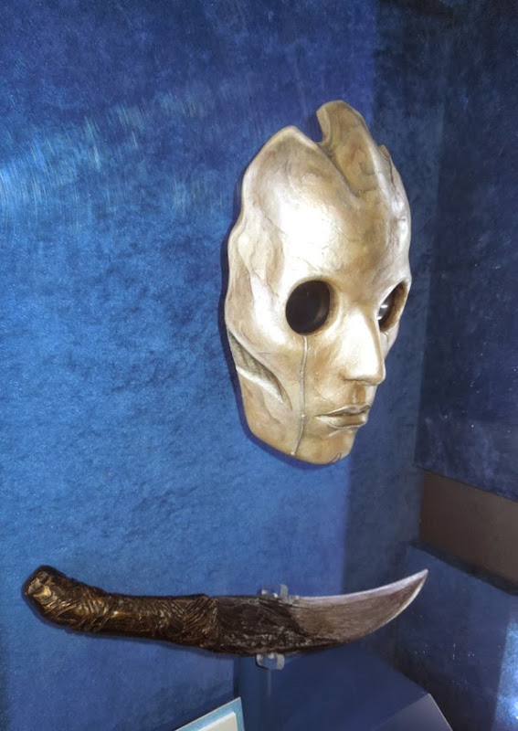 Thor Dark World Dark Elf mask malekith dagger