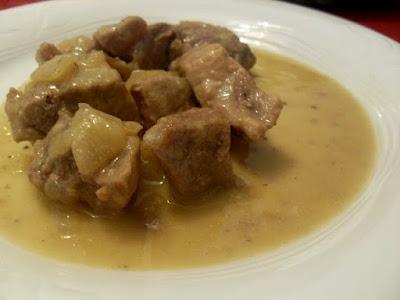 Carne magra con salsa de mostaza