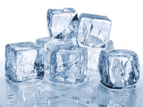 Trị mụn tận gốc bằng đá lạnh là phương pháp thông minh