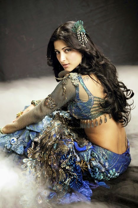 Latest New Hot Shruti Hassan Body Pics Still showing Navel purple and yellow dress 2014