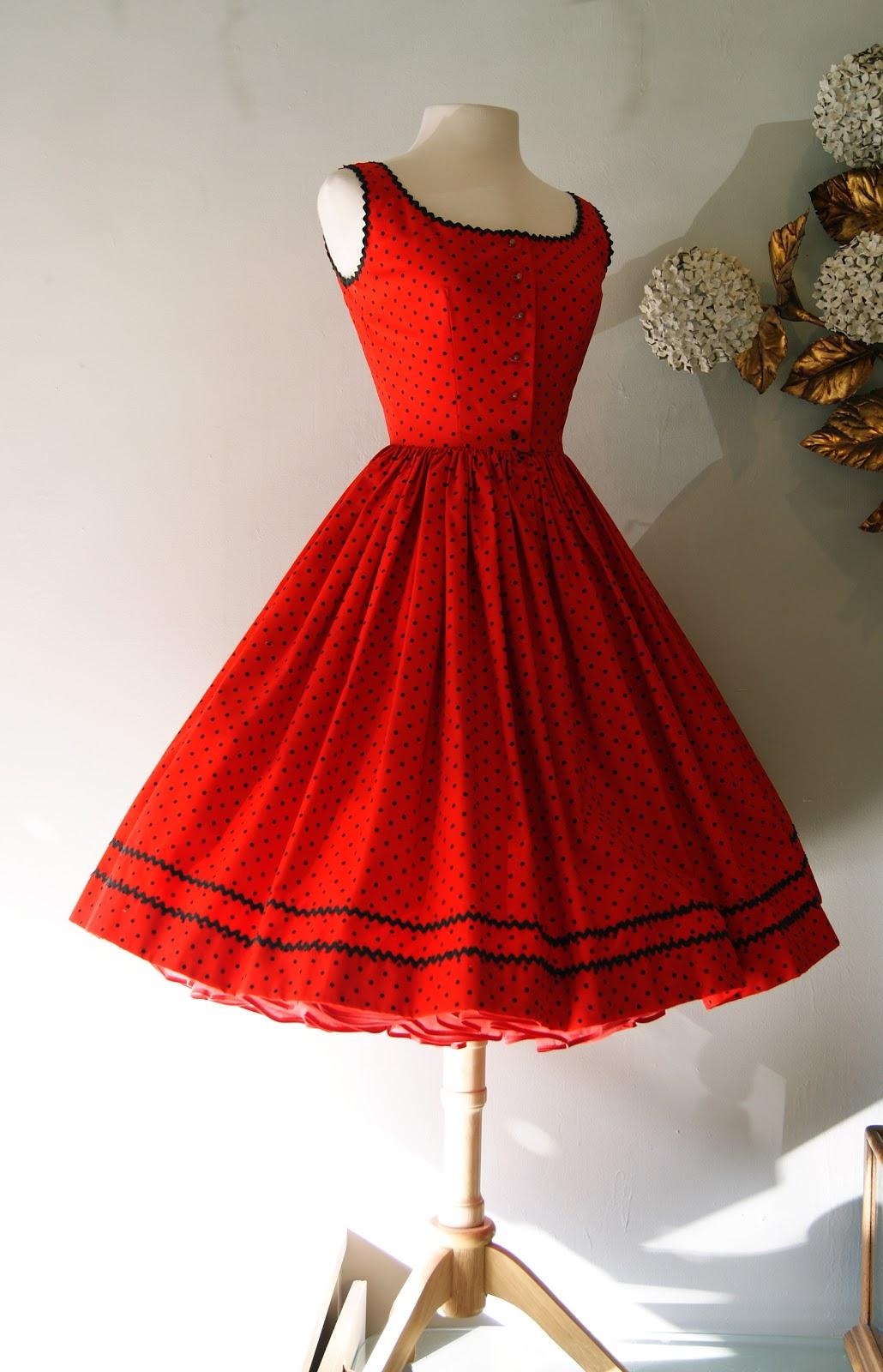 e53b3e6524 Xtabay Vintage Clothing Boutique - Portland