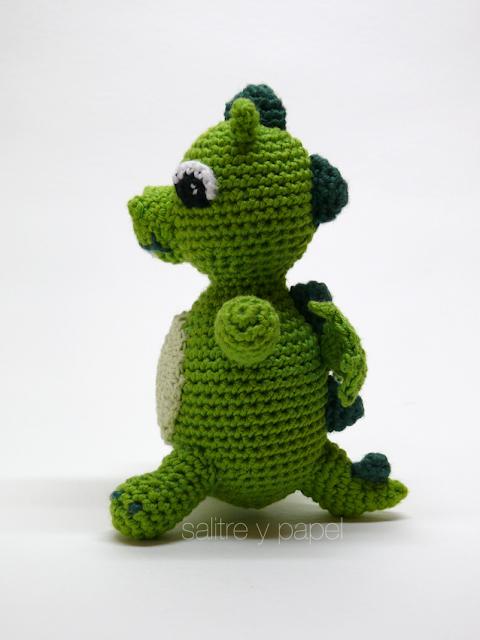 Sonajero dragon amigurumi
