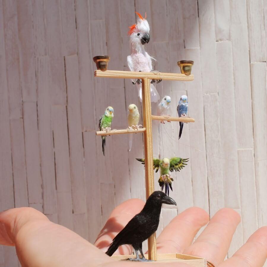 01-Birds-Katie-Doka-Hand-Sculpted-Dollhouse-Miniature-Animals-www-designstack-co