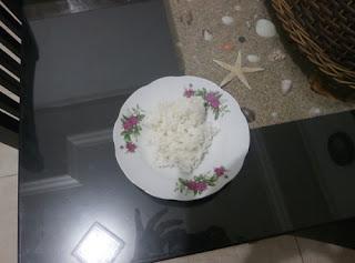 Bahaya sekali konsumsi beras plastik