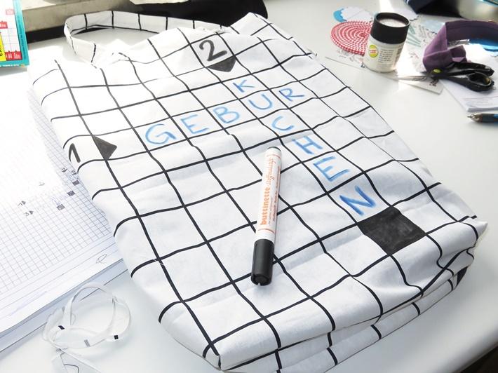 DIY Stofftasche naehen und bemalen mit Kreuzwortraetsel
