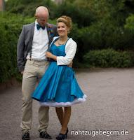 https://nahtzugabe5cm.blogspot.de/2017/10/schwesternhochzeit-ihr-standesamtkleid.html