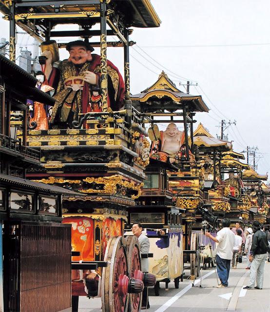 Johana Hikiyama Matsuri (float parade), Nanto City, Toyama Pref.
