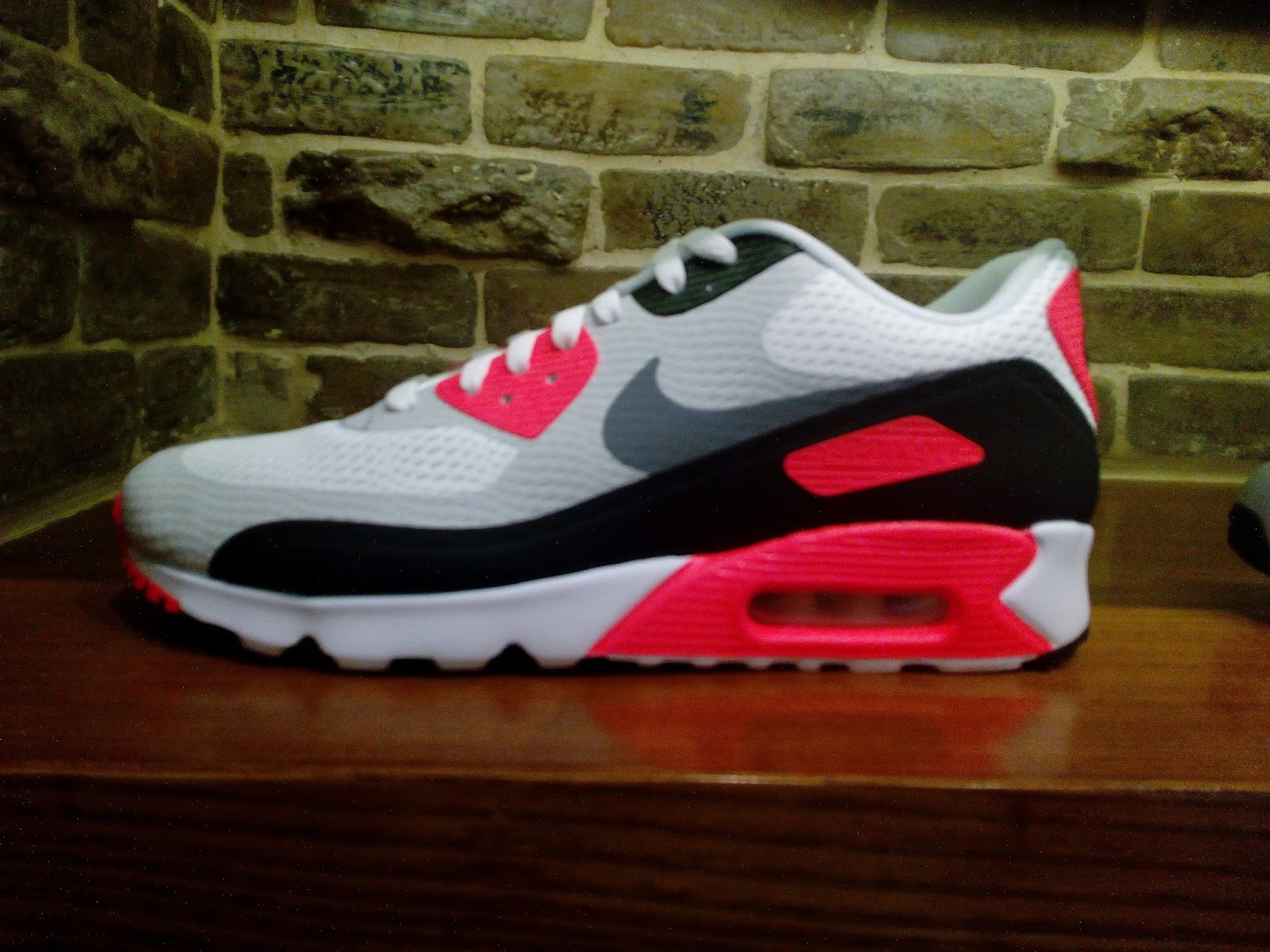 681a6045ea80 ... low cost nike air max 90 ultra essential 3d81e 994d8