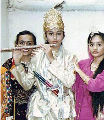 actress namitha childhood photos 3