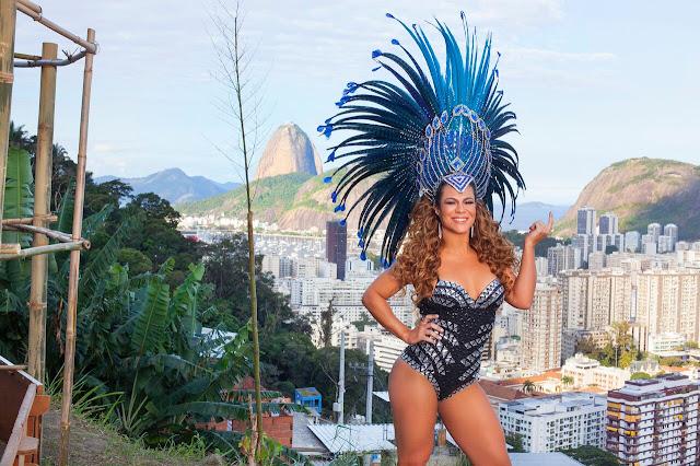 LU PERRY - RAINHA DE BATERIA