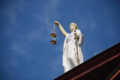 justice et balance