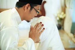 Janganlah Menikah Hanya Karena Di Buru Usia