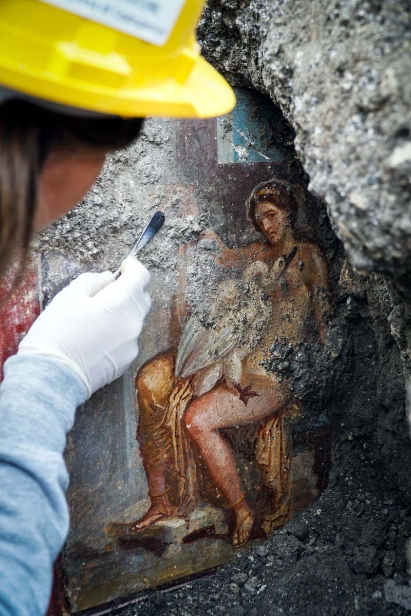 Unearthed Fresco Discovered in an Ancient Pompeii