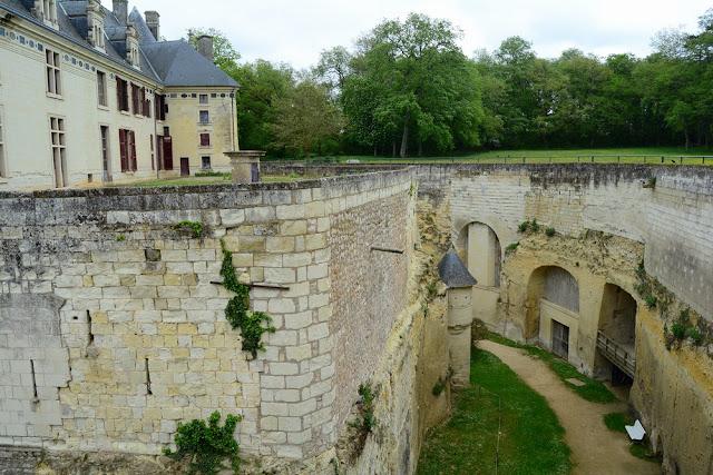 château de Brézé et douves