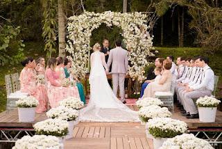 casamento real, casamento ao ar livre, cerimônia ao ar livre, decoração de casamento, portal de flores