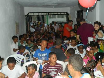 Demaosoy.com realizan tarde recreativa a niños del sector Carlos Daniel en Mao