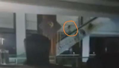 Video Menyeramkan Beredar, Hantu Bocah Menaiki Eskalator