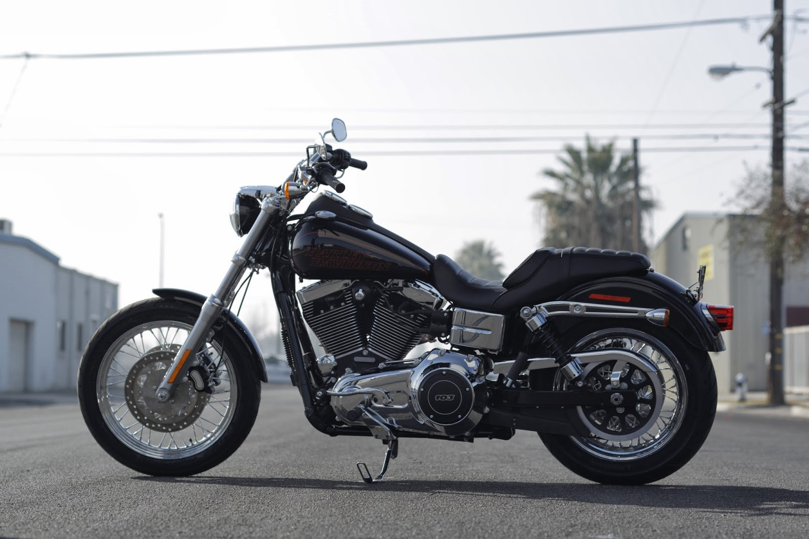 racing caf harley davidson dyna low rider 2014. Black Bedroom Furniture Sets. Home Design Ideas