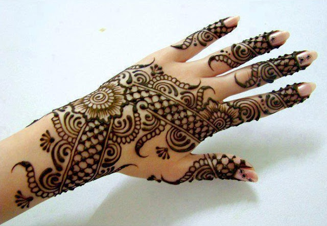 Beautiful & easy bridal Mehndi Designs